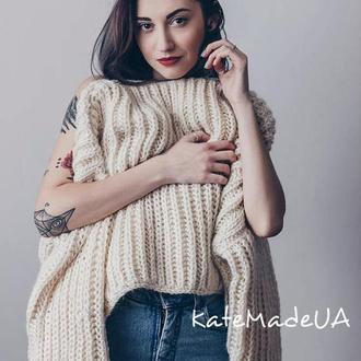 Теплый комфортный свитер, большого размера.