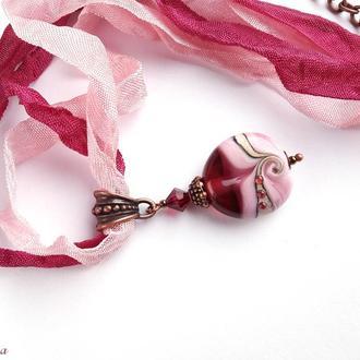 Кулон рубино на шебби лентах