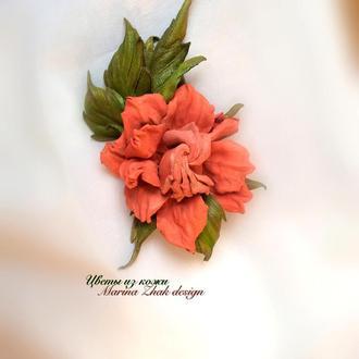 Брошь из кожи - Коралловая  Роза