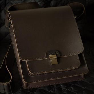Стильная мужская сумка из натуральной кожи.
