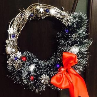 новогодний или рождественский венок