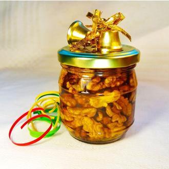 Мед з горіхами у крафт пакеті