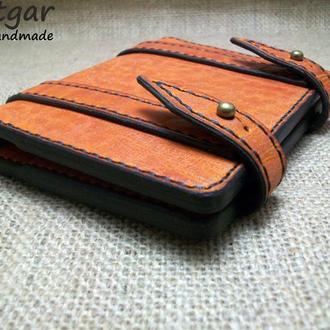 Брутальный кошелек из плотной кожи толщиной около 2,5 мм