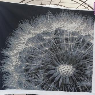 "Картина ""Одуванчик"", бисер, монохром, частичная зашивка, 63.5*56.5 см."