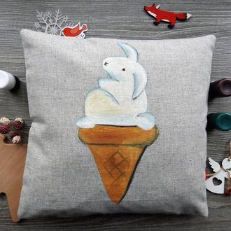"""Декоративная подушка с ручной росписью """"Кролик-мороженое."""