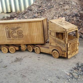 """Сувенир """"фургон Scania r580"""" с Вашим логотипом"""