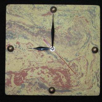"""Часы настенные """" Марсианское время"""" из декоративного бетона."""