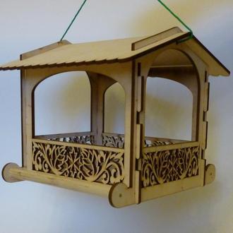 уличная кормушка для диких птичек