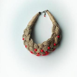 Колье-коса из льна с красными бусинами, колье из льняных ниток.