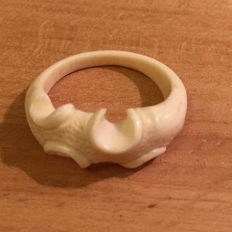 Кольцо из бивня мамонта.