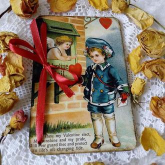 Открытка ко Дню Святого Валентина на деревянной основе