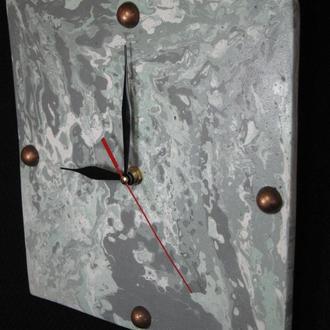 """Часы настенные """"Зеленый мрамор"""" из декоративного бетона"""