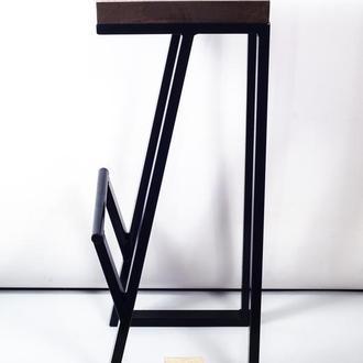 Барные стулья из натурального дерева и металла