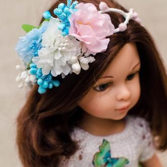 Венок на куклу Паола 32 см с цветами.