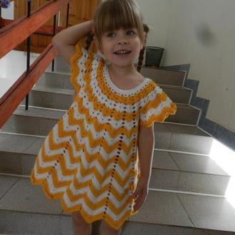 вязаное платье для девочки 4-6 лет