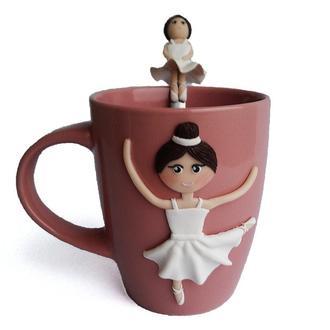 Сувенирная кружка и ложка с декором из глины Подарочный набор «Прима балерина»