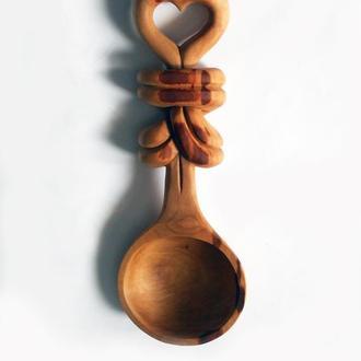 Ложка из груши с декоративным узлом