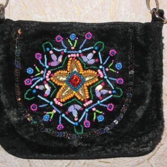 Сумочка плюшевая, сумка женская, вышитая бисером, паетками, стразами.