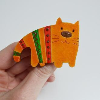Деревянная брошка Рыжий кот. Оригинальный подарок