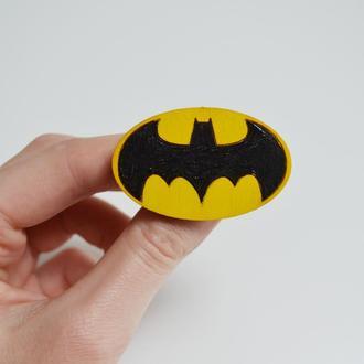 Деревянный значок Бэтмен.