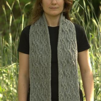 Серый шарф с косами