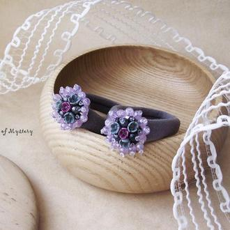 Большие цветочные резинки, пара серых резиночек с цветами