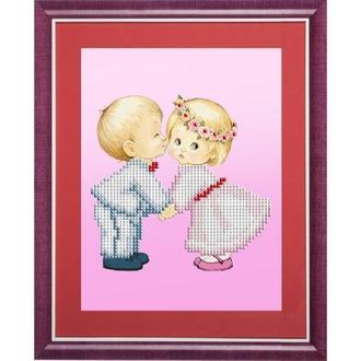 """Картина бисером """"Первый поцелуй малышей"""""""