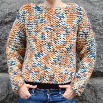 Коротенький женский свитерок из толстой полушерсти