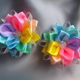 Резинки канзаши из лент Радуга
