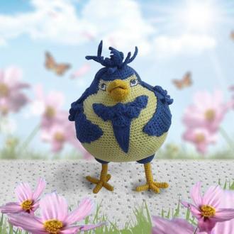 Вязаная крючком синяя птица счастья