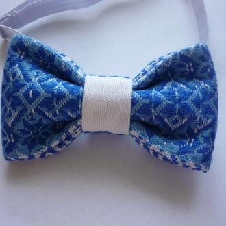 Детский галстук-бабочка в украинском стиле