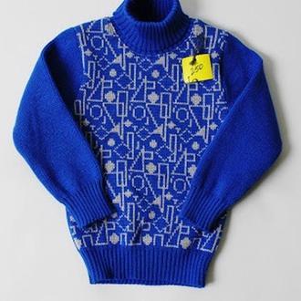 Лазурный свитер с рисунком абстракция