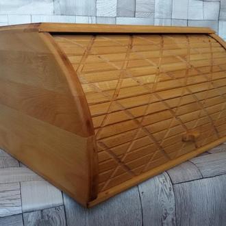 Хлебница деревянная.