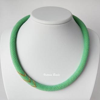 Мятное зеленое ожерелье жгут из японского бисера минималистичный стиль