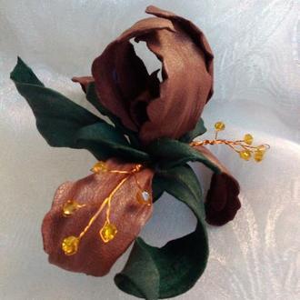 Кожаный цветок, брошь, ирис кожаный