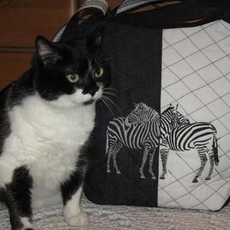 Сумка джинсовая черно-белая с вышивкой Зебры