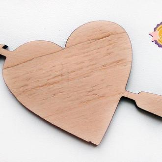 Фигурная накладка (шильда) Сердце стрела