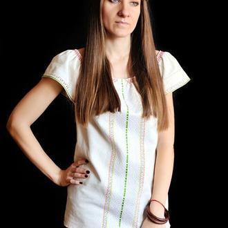 Украинская женская современная вышиванка