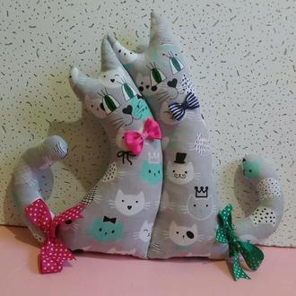 Коты-неразлучники декоративная подушка