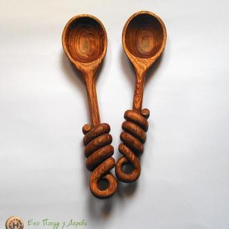 Набор ложек и з дуба с декоративными узлами