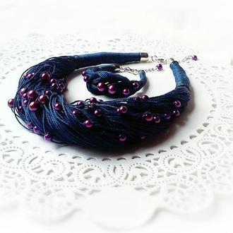 Комплект украшений из итальянской льняной нити и бусин.