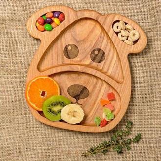 Детская деревянная тарелка в виде собачки