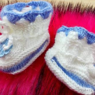 Вязаные пинетки для новорожденных