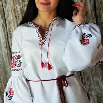 Женская вышитая рубашка UA-04