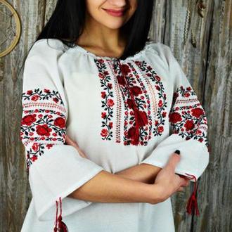 Женская вышитая сорочка ручной работы UA-35