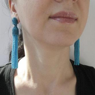Синие прозрачные серьги кисточки из бисера
