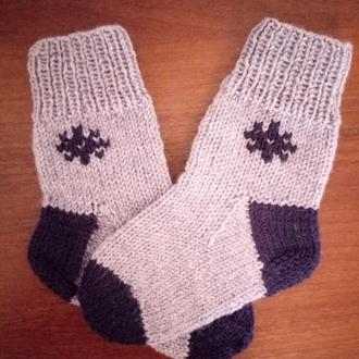 детские вязанные носки, серые вязанные носочки