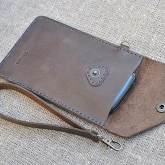 Чехол-карман для телефона с ремешком для руки из натуральной кожи  H03-450