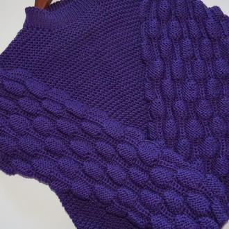 Вязаный свитер с Шишечками
