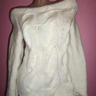Вязаный свитер с крупными косами